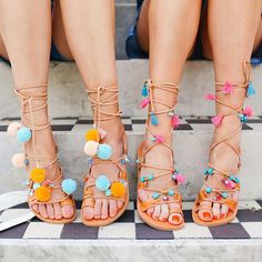 Walking on sunshine #whoaoooh ☀️☀️ These @irisandals {and a cheeky discount code} plus new looks now over on our blog ~ www.belleandbunty.co.uk/blog  { by @margarita_karenko}