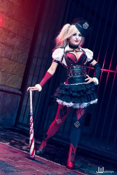 Character: Harley Quinn (Dr. Harleen Quinzel) / From: Warner Bros. Interactive Entertainment's 'Batman: Arkham Knight' Video Game / Cosplayer: Jessica Nigri / Photo: JwaiDesign Photography (Jonathan Jono Wai) (2014)