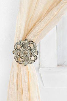 Fleur Curtain Tie-Back $14.00