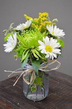 Small Flower Design, Small Flowers, Fresh Flowers, Spring Flowers, Lauren Quinn, St Baldricks, Salina Ks, St Patrick's Day Games, Small Flower Arrangements