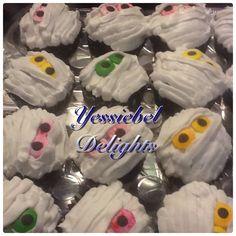 Halloween cupcakes Halloween Cupcakes, Desserts, Food, Tailgate Desserts, Deserts, Essen, Postres, Meals, Dessert