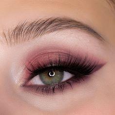 Simple Eyeshadow Looks, Pink Eyeshadow Look, Eyeshadow Makeup, Eyeshadow Palette, Eyeliner, Soft Eye Makeup, Makeup Eye Looks, Pink Makeup, Eye Makeup Tips