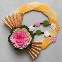 自動代替テキストはありません。 Paper Crafts, Diy Crafts, New Years Decorations, Mother And Child, Origami, Manualidades, Mother Son, Tissue Paper Crafts, Paper Craft Work