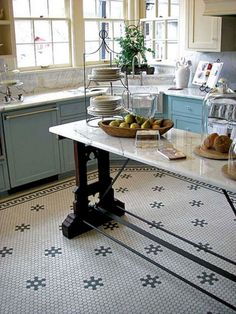 40 Beautiful Kitchen Floor Tiles Design Ideas - When designing a kitchen, a substantial amount of thought goes into the cupboards, counter tops and backsplash. However, the perfect flooring choice could make or break the design. Craftsman Kitchen, Rustic Kitchen, Kitchen Decor, Kitchen Ideas, Bungalow Kitchen, Rental Kitchen, Kitchen Inspiration, Kitchen Tips, Modern Floor Tiles