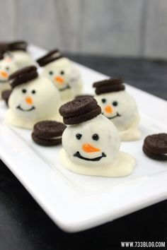 Melting Snowman Cookie Balls - Holiday Cookie Exchange - seven thirty three Holiday Cookies, Holiday Desserts, Holiday Baking, Holiday Treats, Holiday Recipes, Party Treats, Christmas Party Food, Xmas Food, Christmas Sweets