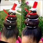 Just Looking At These cute Holiday Hairstyles Will Fill You With Christmas Cheer. Hair Dos For Kids, Crazy Hair For Kids, Crazy Hair Day At School, Crazy Hair Days, Whacky Hair Day, Little Girl Hairstyles, Cool Hairstyles, Christmas Dress Up, Xmas