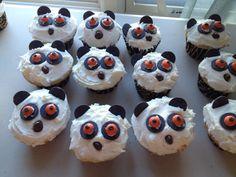 Lemur cupcakes