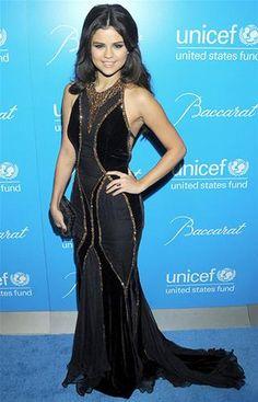Selena Gomez en la gala de UNICEF snowflake (© Rex Features)