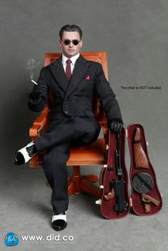 toyhaven: Incoming: DID scale Chicago Gangster is Johnny Depp as Dillinger in Public Enemies? Johnny Depp, Johnny Was, Military Action Figures, Custom Action Figures, 1920s Gangsters, Rpg Map, Disney Baby Clothes, Crime Film, Mafia