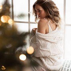 🍁🍂 Время уютных пледов и мягких свитеров... Друзья, новогодние съемки и фотодни у меня начинаются в конце октября.  На октябрь уже мест нет, на ноябрь и декабрь идет запись. Проекты в этом году будут очень красивые 💫  ________________________  #фотосью #фотографмосква #фотограф #фотосессия #новогодняясъемка #новогодняяфотосессия #семейнаясъемка #новыйгод #новогоднийворкшоп #новогоднеенастроение #новогодняяфотозона #новогодняяфотосессия #съемкановыйгод #my__workshop