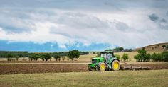 How john deere is leading the way in utilising iot in #agriculture - iot tech expo