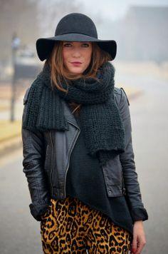 #leopardprint #leather #hat #scarf #winter #style - www.darlingtwo.com