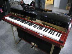 Amazing customized Fender Rhodes Seventy Three. Vintage Synth, Vintage Keys, Vintage Guitars, Rhodes, Hammond Organ, Music Keyboard, Electric Piano, Digital Piano, Key Photo