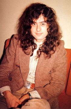 1972? (Doesn't he just look like a china doll's head on a man body??) He has the sweetest, child-like eyes.....