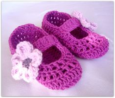 CROCHET BABY SLIPPER PATTERN | Crochet For Beginners
