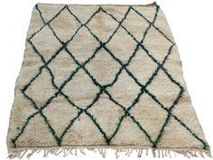 Vintage Beni Ouarain carpet in hand spun wool, from Maroc Tribal www.maroctribal.com. With unusual green lozenge symbols