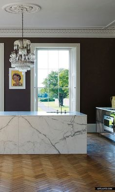 Aubergine color on the kitchen walls contrast beautifully with the pure white ceiling trim, and marble. Home Interior, Kitchen Interior, Interior And Exterior, Kitchen Design, Kitchen Walls, Kitchen Pantry, Kitchen Island, Ceiling Trim, White Ceiling