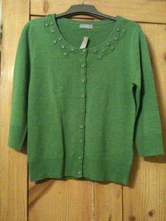 Green, 12, per una. Took decoration off.