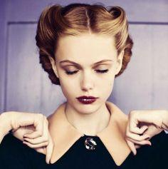 coiffure-rockabilly-femme-rétro-cheveux-attachés2