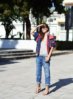 The sailing jacket & distressed boyfriend jeans I Love Fashion, Denim Fashion, Autumn Fashion, Women's Fashion, Fashion Beauty, Boyfriend Jeans, Boyfriend Style, Jean Outfits, Cute Outfits