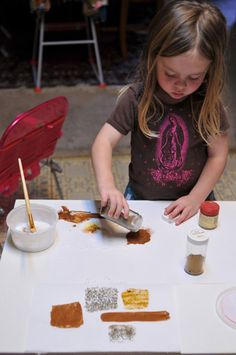 Spice painting, using the senses