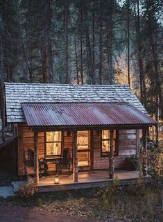 091 Small Log Cabin Homes Ideas Small Log Cabin, Tiny Cabins, Little Cabin, Tiny House Cabin, Log Cabin Homes, Cabins And Cottages, Tiny Houses, Rustic Cabins, Rustic Cottage