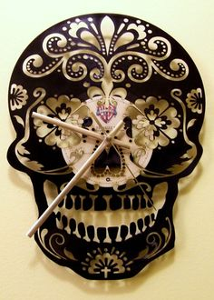 The Day Of Dead , Sugar Skull upcycled Vinyl Wall handmade record clock - Home Decoratings Sugar Skull Decor, Sugar Skulls, Record Clock, Clock Wall, Record Wall, Decoration Inspiration, Gothic House, Gothic Castle, Skull And Bones