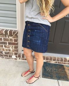I made a #mossskirt (pattern by @grainlinestudio). I altered it to button front and I added some back pockets too.  I love it!  I turned my hands and bathtub blue distressing the denim but it was so worth it!  #memade #handmade #handmadewardrobe #denimskirt #grainlinestudio #maker #makeallthethings #sewing #selfishsewinghandmade,makeallthethings,selfishsewing,memade,denimskirt,sewing,mossskirt,grainlinestudio,handmadewardrobe,makerthoresoncrystal
