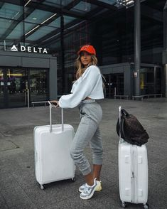 Comfy airport outfit, airport chic, airport travel outfits, airport look,. Comfy Airport Outfit, Airport Travel Outfits, Airport Chic, Comfy Travel Outfit, Travel Outfit Summer, Girls Summer Outfits, Sporty Outfits, Trendy Outfits, Winter Outfits