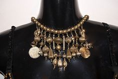 Boho Ibiza Halssnoer GOUD kleurig met verschillende soorten metalen kralen en muntjes -  Boho Ibiza necklace with different kinds of GOLD colored metal beads and coins