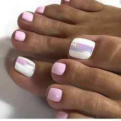 Make an original manicure for Valentine's Day - My Nails Pretty Toe Nails, Cute Toe Nails, Glam Nails, Gorgeous Nails, Love Nails, Beauty Nails, Pretty Pedicures, Toe Nail Color, Toe Nail Art