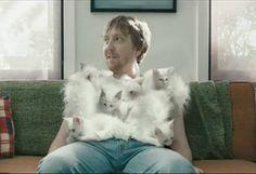 Avez-vous déjà-vu un T-shirt aussi doux que chat? http://www.culturepub.fr/videos/hanes-comfortblend-kittens