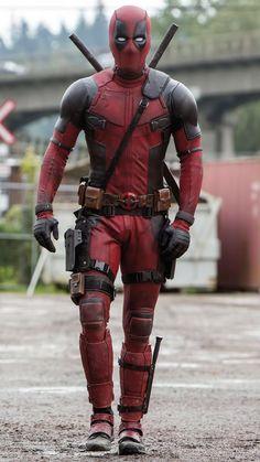 Imagen de Deadpool (2016) de la revista Total Film