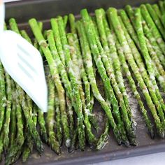 This Parmesan Baked Asparagus requires just FIVE simple ingredients and about 15 minutes to throw together! The perfect healthy side dish! Vegetable Dishes, Vegetable Recipes, Vegetarian Recipes, Healthy Recipes, Veggie Recipes Sides, Esparagus Recipes, Baking Recipes, Easter Recipes, Best Asparagus Recipe