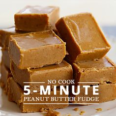 No-Cook, 5 Minute Peanut Butter Fudge. A holiday dessert that everyone loves. And, we love that this recipe only takes 5 minutes to make. #recipe #fudge #holidayrecipes