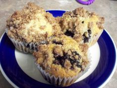 Blueberry Muffins with Crumble Topping | An adventure in cooking