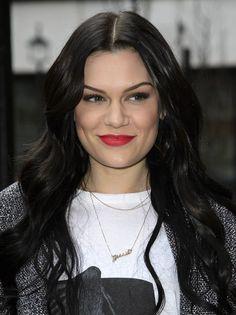 Jessie J beauty/style goals Latest Celebrity News, Celebrity Dads, Celebrity Crush, Celebrity Photos, Jessie J, Cat Valentine Victorious, Ariana Grande Facts, Woman Crush, Fashion Beauty