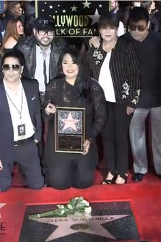 On Friday, Selena Quintanilla finally received her star on the Hollywood Walk of Fame, and we can't contain our excitement. The late singer was honored with Selena Quintanilla Perez, Suzette Quintanilla, Robert Sean Leonard, Selena And Chris, Elvis And Priscilla, Jackson, Music Photo, Hollywood Walk Of Fame, Cute Anime Couples