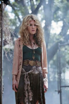 Lily Rabe as Stevie Nicks-obsessed swamp witch Misty Day in American Horror Story: Coven American Horror Story Coven, Misty Day, Witch Fashion, Boho Fashion, Desert Fashion, Witch Outfit, Mamma Mia, Horror Stories, Look Cool
