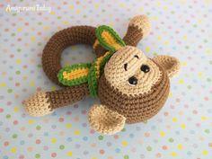 Monkey baby rattle - Free crochet pattern by Amigurumi Today