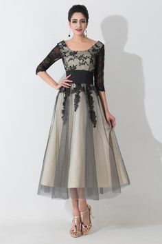 2017 Designer Mother of the Bride Dresses Scoop Neck Half Sleeves Black Lace Appliques Empire Mother Prom Gowns with Lace-up Back BZP0471