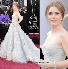 Love this dress so much!  This is a super elegant, gorgeous dress worn by Amy Adams at the 2013 Oscars Red Carpet.