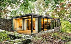 Richard Neutra's Elegant Mid-Century Pitcairn House Hits the Market for $6…