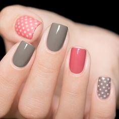 Semi-permanent varnish, false nails, patches: which manicure to choose? - My Nails Stylish Nails, Trendy Nails, Acrylic Nail Designs, Acrylic Nails, Nagellack Design, Crystal Nails, Beautiful Nail Designs, Nagel Gel, Nude Nails