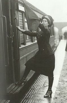 London, 1916. Woman working as a Conductor