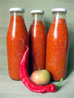 Яблочная аджика Canning Recipes, Cookbook Recipes, Stewed Tomatoes, Home Canning, Sem Lactose, Russian Recipes, Appetisers, Stuffed Hot Peppers, International Recipes