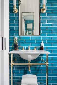 Turquoise Home Decor That'Ll Blow Your Mind! Peek Inside The Industrially Designed Williamsburg Hotel Domino with Turquoise Home Decor That'Ll Blow Your Mind! Luz Natural, Bathroom Faucets, Small Bathroom, Bathroom Ideas, Blue Bathrooms, Hotel Bathrooms, Bath Ideas, Bathroom Designs, Bathroom Wall