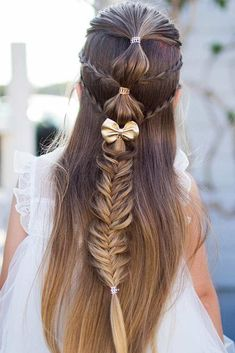 We all know that over time, your kiddo gets bored with those ponytails and braids she wears every day. Let us respect her sense of fashion and vary her styling routine. See our picture gallery. #hairstyles #braids #braidedhairstyles