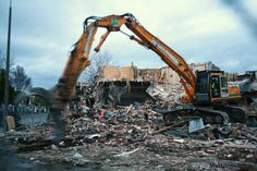 Demolition beings (2010)