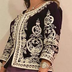 Afghani Clothes, Mother Of The Bride Suits, Afghan Dresses, Perfect Wardrobe, African Print Fashion, Mode Style, Traditional Dresses, Hijab Fashion, Passion For Fashion